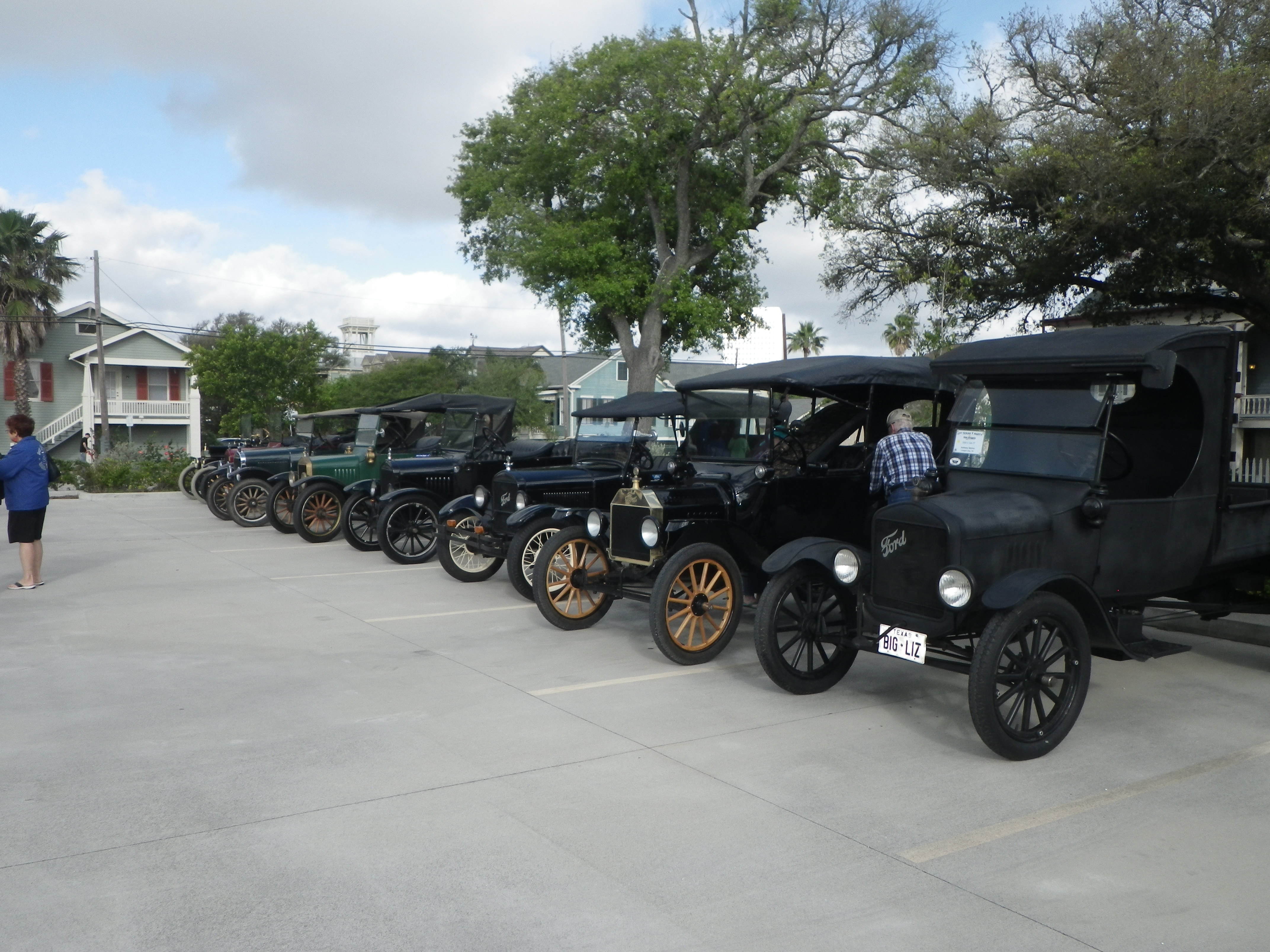 Alvin Rotary Club FRONTIER DAY Car & Bike Show – 4/28/2018